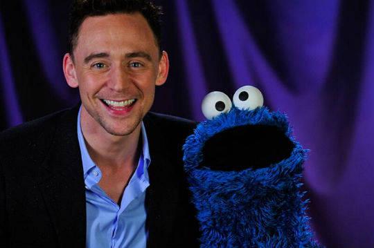 tom-hiddleston-cookie-monster-tca